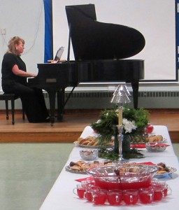 Vanessa Schukis entertained with holiday songs