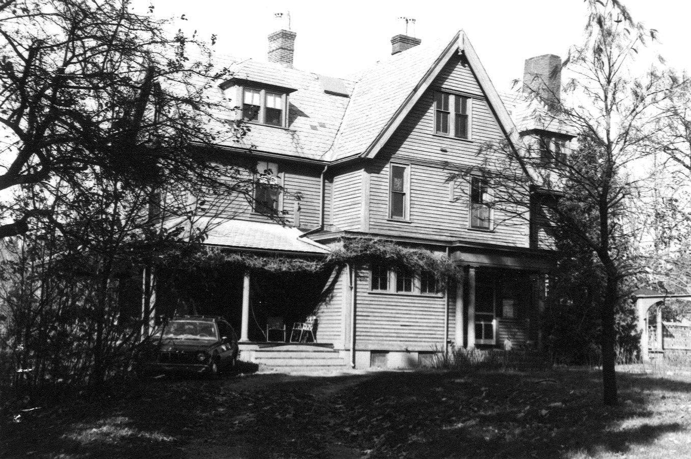 Widow Brown Cottage BLM 120